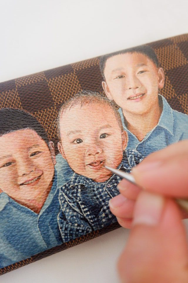 leather-painting-LV-family-wallet-son